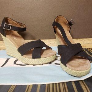 Women Girl Black Strap Wedge Heel Size 8